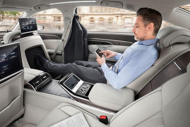 2019-Audi-A8-L-rear-lounge-seats-01.jpg