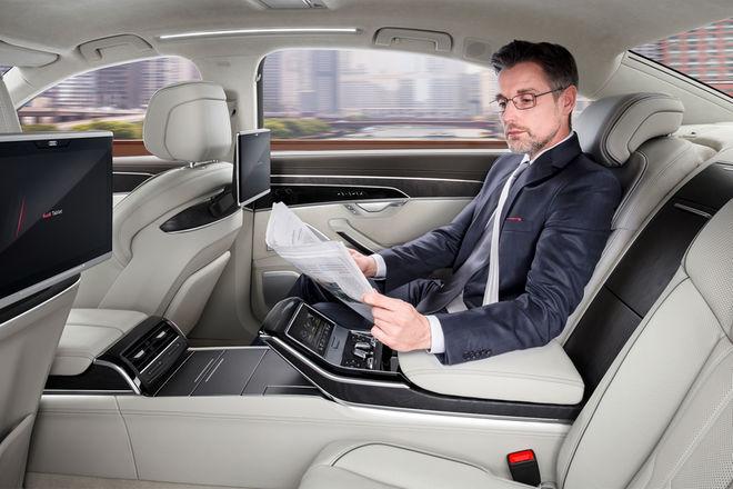 2019-Audi-A8-L-rear-lounge-seats-04